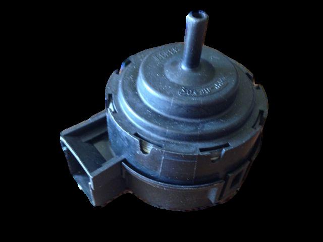 originální analogový presostat pračka Zanussi, Electrolux, AEG - 1320903030 AEG / Electrolux / Zanussi